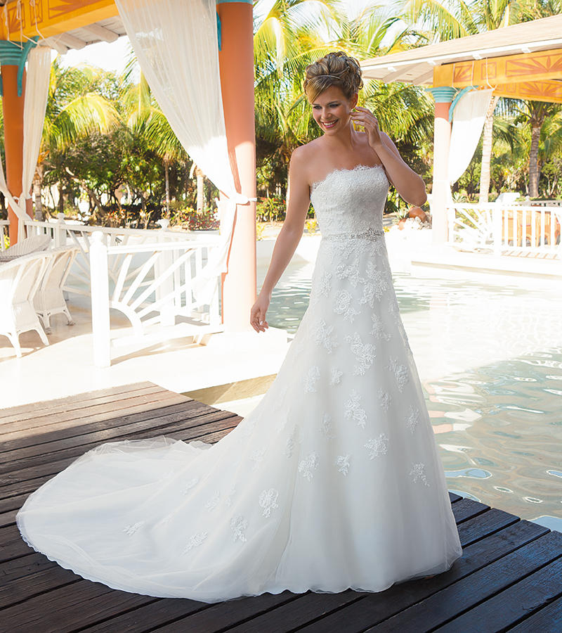 Soft Tulle/Corded Chantilly Lace
