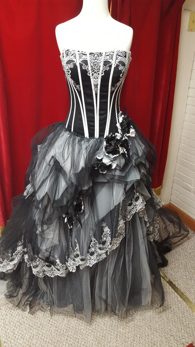 Asoen Bridal Gown