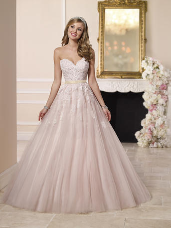 TULLE PRINCESS STYLE WEDDING DRESS