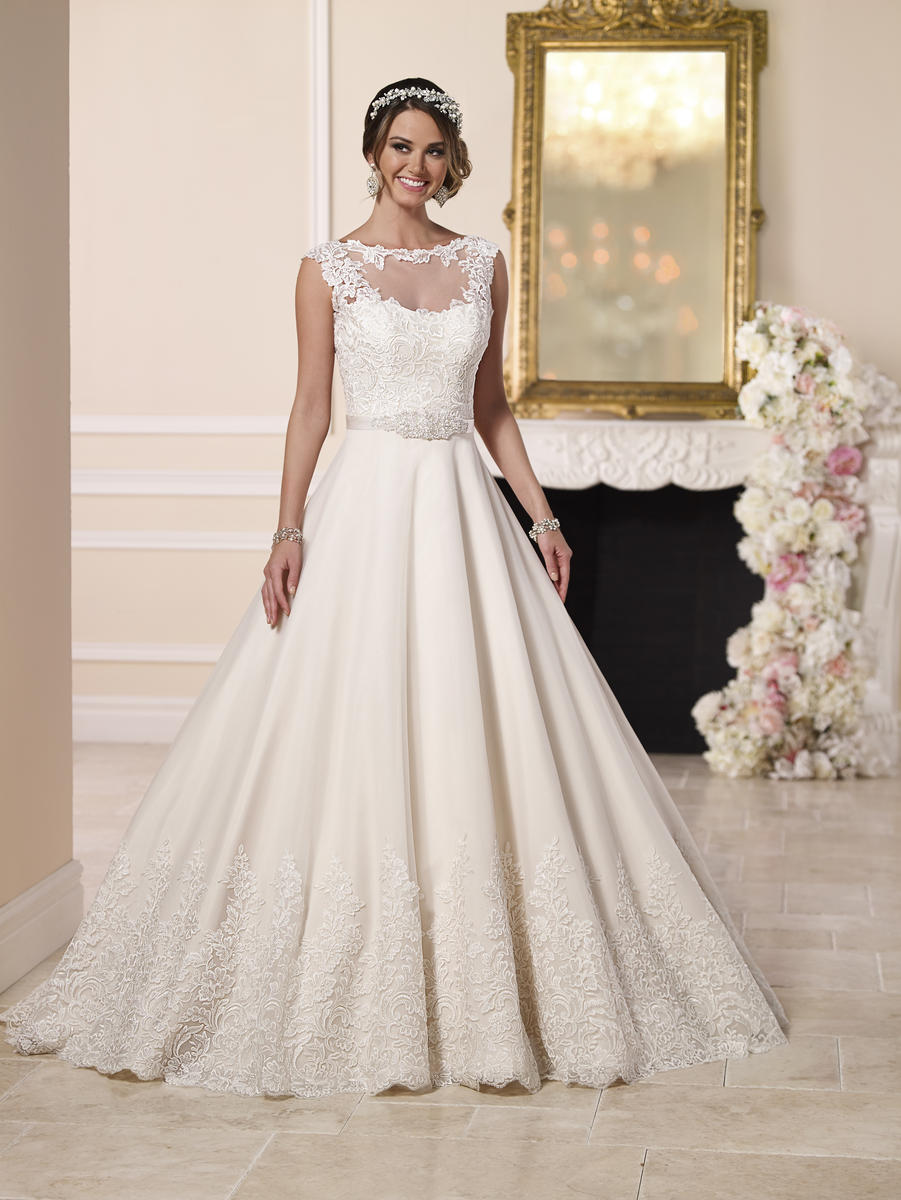 Uniquely Original Wedding Dress by Stella York6152 Uniquely Original Wedding Dre