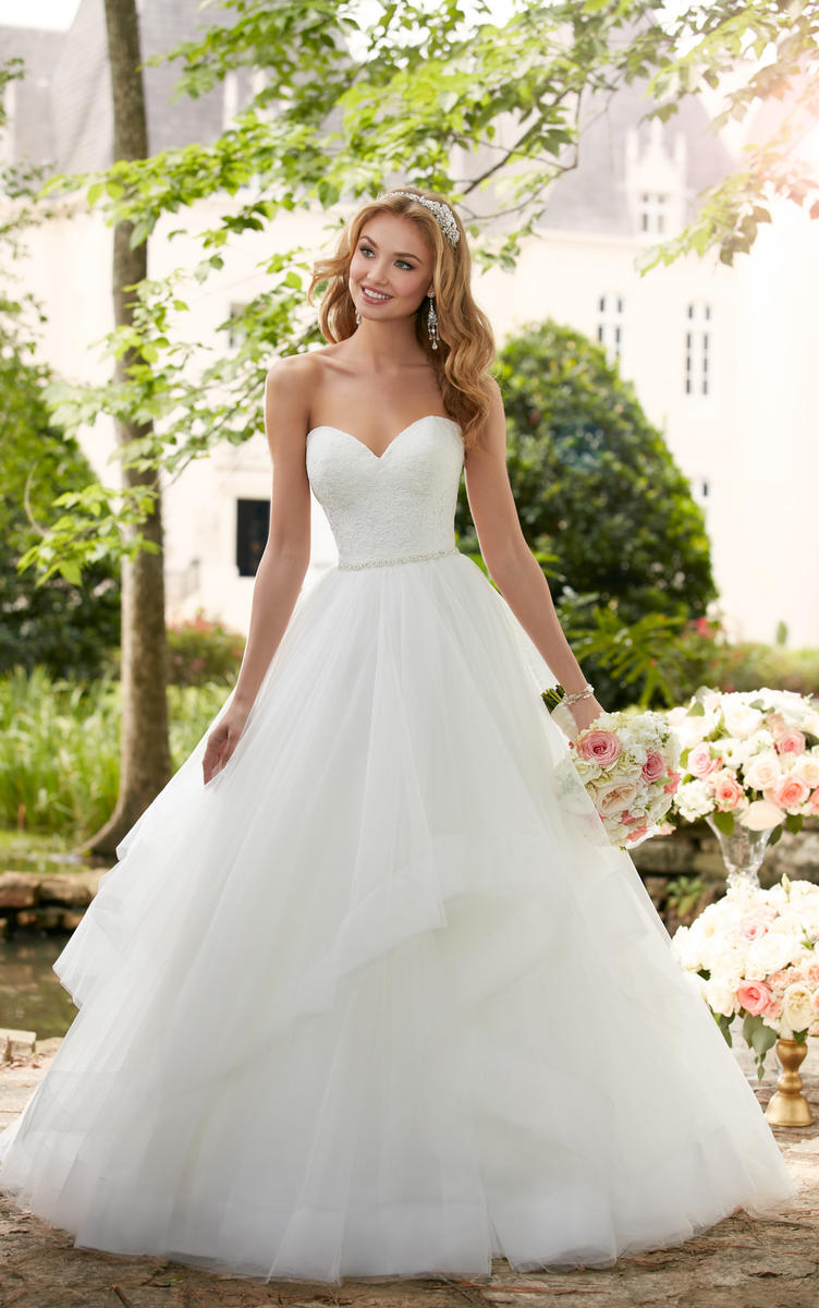 LAYERED BALL GOWN WEDDING DRESS