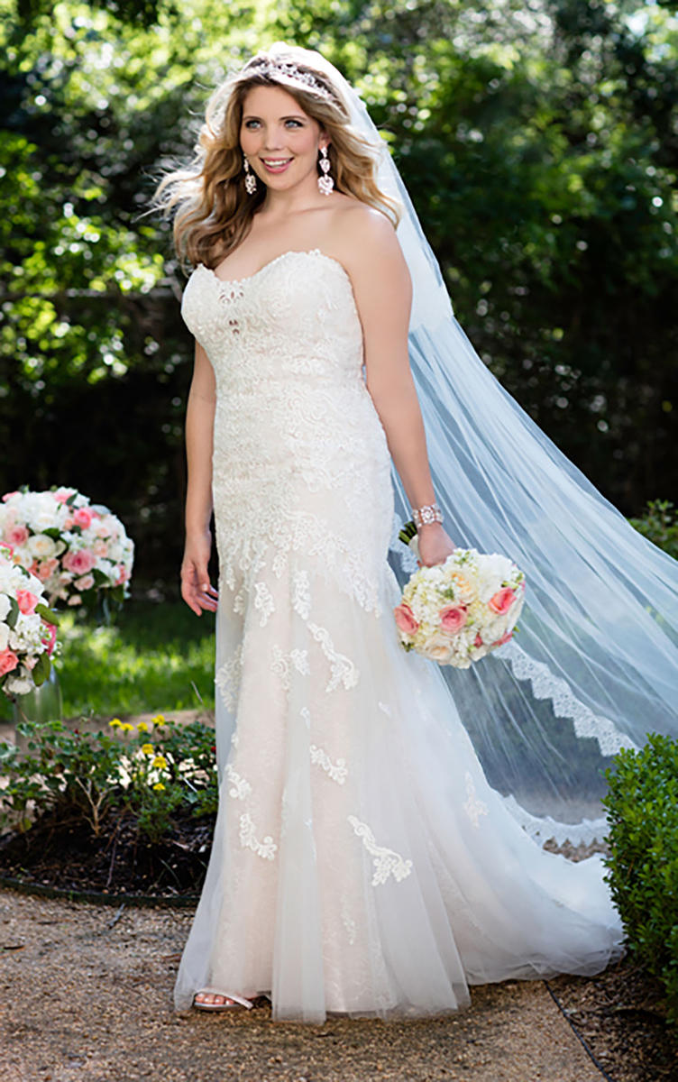 LACE APPLIQUE WEDDING DRESS