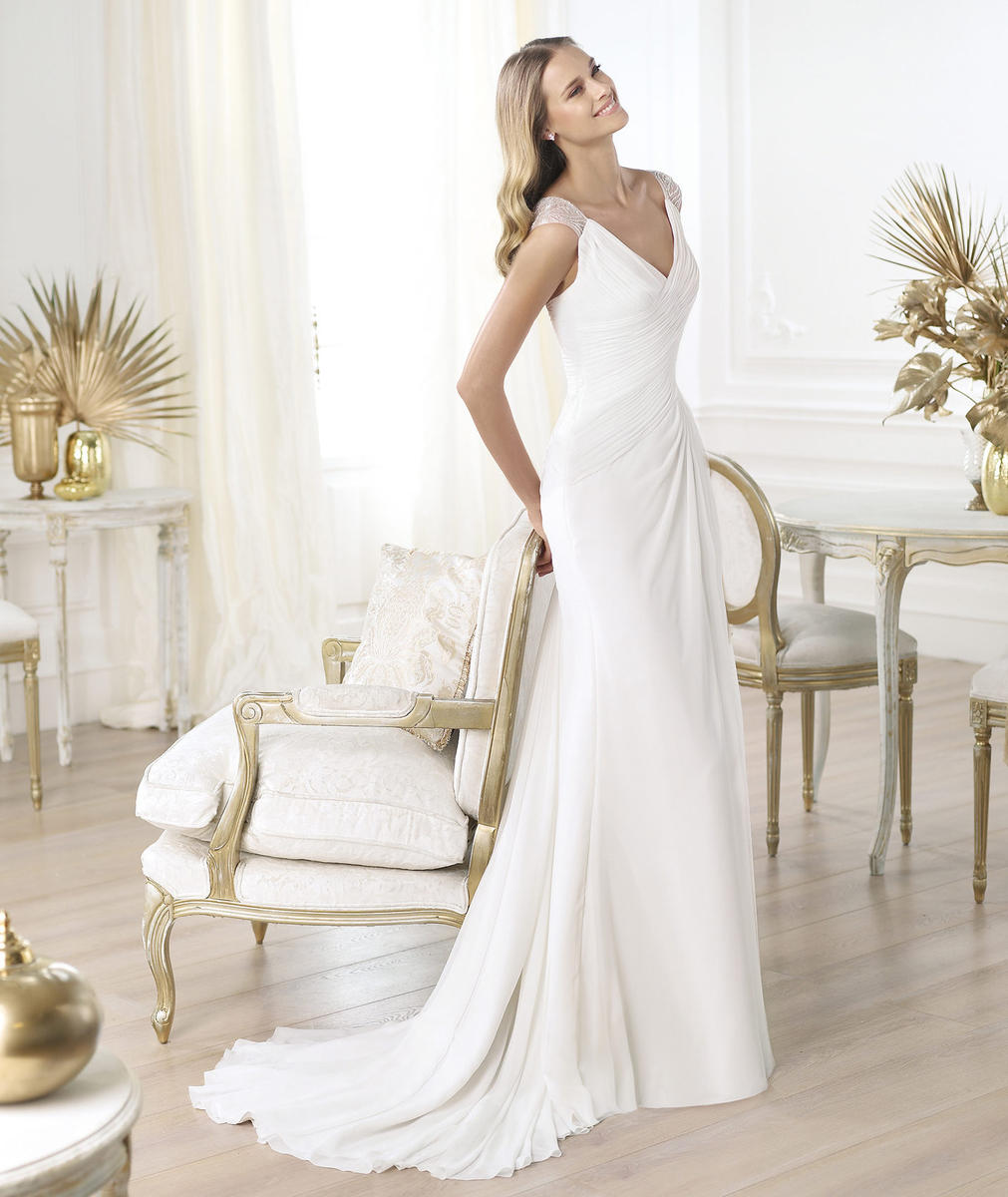 Pronovias in Stock Sale Dress
