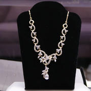 55448 NECKLACE