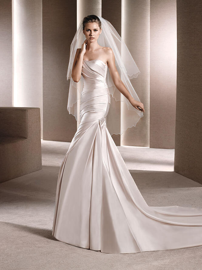 Las Sposa by Pronovias